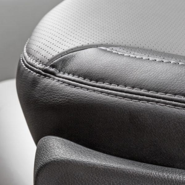 Модельные чехлы AUTOPROFI для Kia Ceed (2012-2018) экокожа, чёрный-темно серый 3